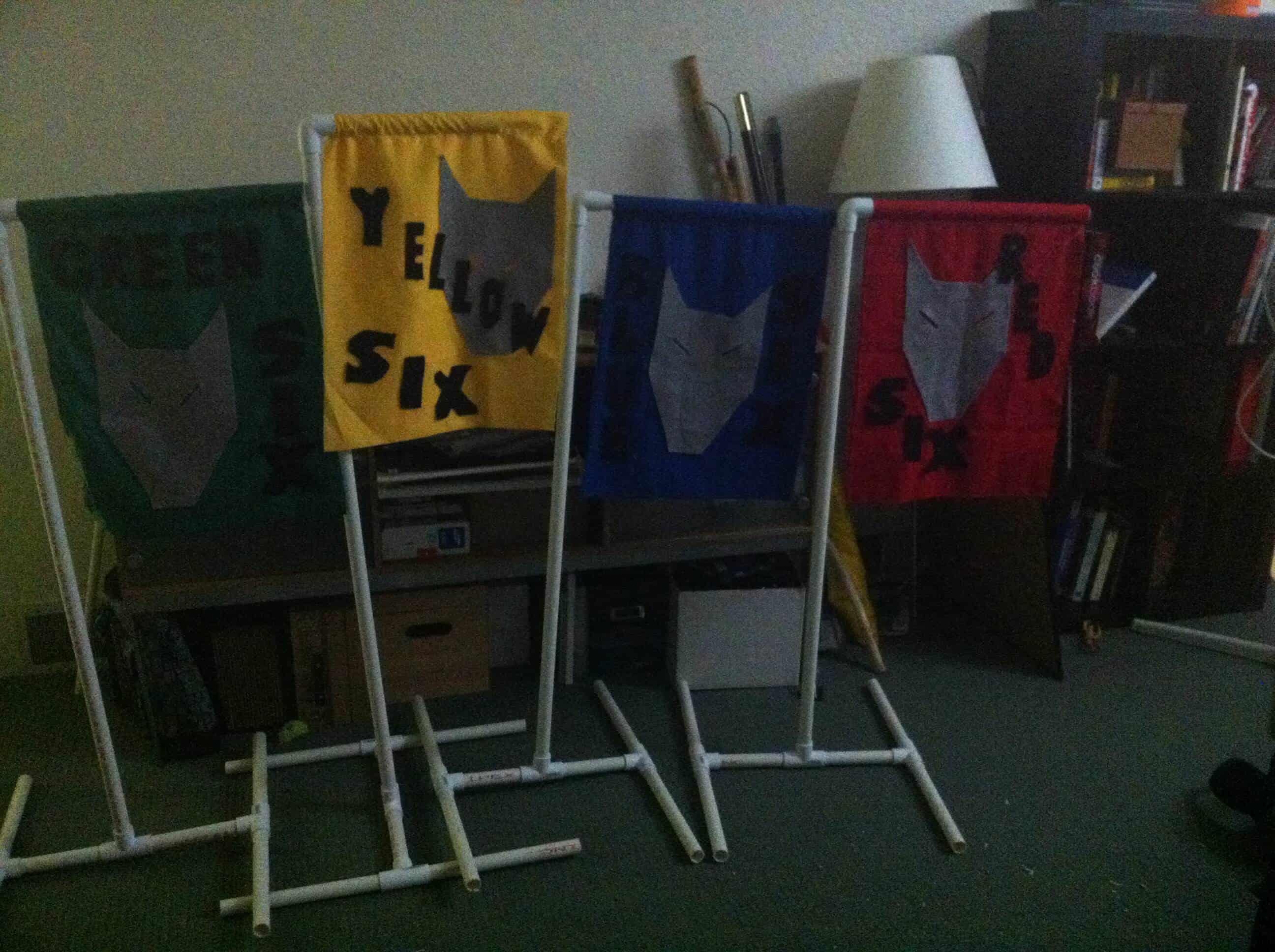 4 Den flags
